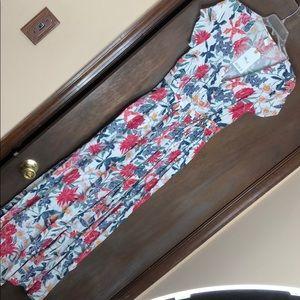 Roxy Floral maxi wrap dress...with pockets